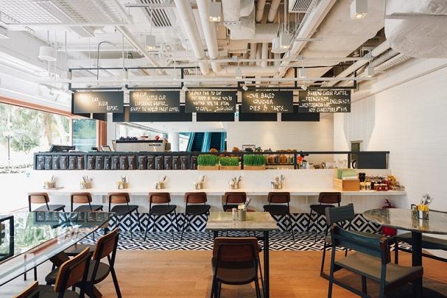 150302EVswingchairrestaurant2