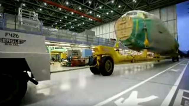 150909airplanemaking03