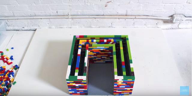 レゴブロックとコンクリートのDIYコーヒーテーブル_2