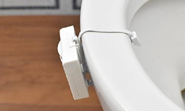 便器につけるトイレの照明IllumiBowl Toilet Light3