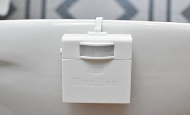 便器につけるトイレの照明IllumiBowl Toilet Light2