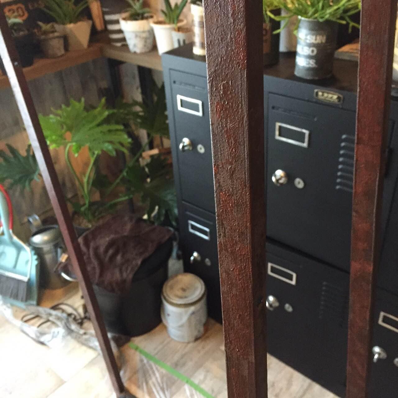 IKEAの棚であるLERBERGを植物を飾るグリーンラックにDIY_2