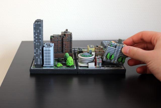 Ittybloxは、#Dプリンターで出力したミニチュアの街並みで、実際に存在する建物や、川、鉄道までもが精巧に表現されています_1