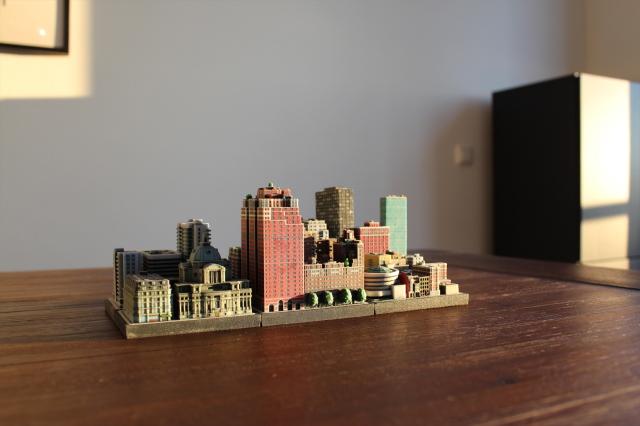 Ittybloxは、#Dプリンターで出力したミニチュアの街並みで、実際に存在する建物や、川、鉄道までもが精巧に表現されています_6