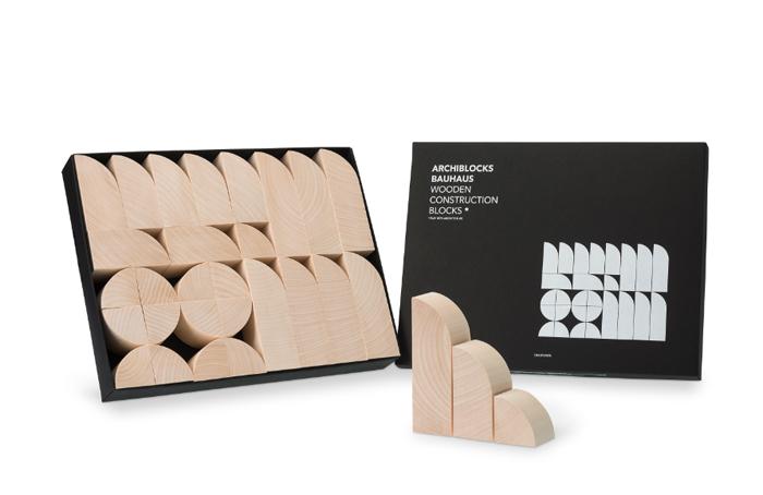 ザハ・ハディッド、ジャン・ヌーヴェル、レンゾ・ピアノなど建築界の巨匠の賛同を集めた建築おもちゃ「Play with Architecture!」は子どもの知育にぴったりな積み木