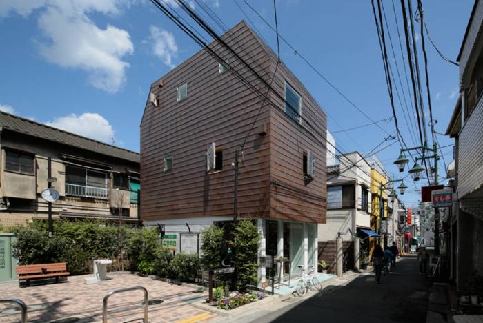 商店街を活性化するツリーハウスのようなおもしろくてデザイナーズな事務所併用住宅の建て替え_1