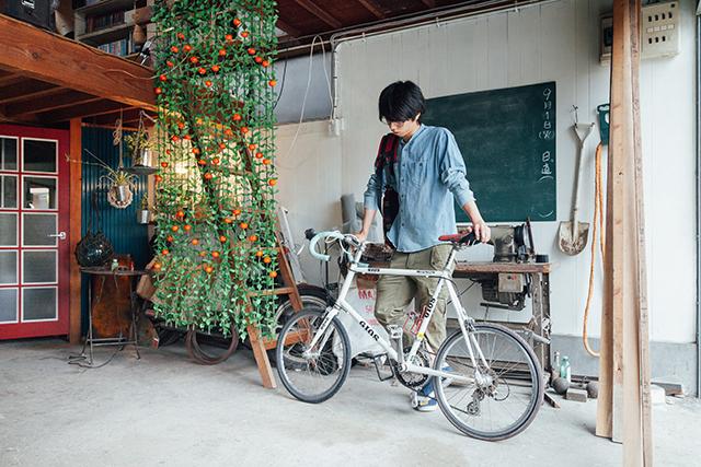 杉並区で、思い出を引き継ぐアートで秘密基地のようなセルフリノベーションの自転車