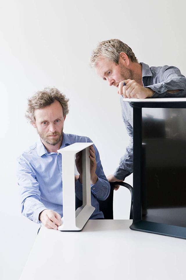 サムスンが発表した新しいテレビのデザインは、従来のテレビとは違い、インテリアにとけ込むようなものでした、