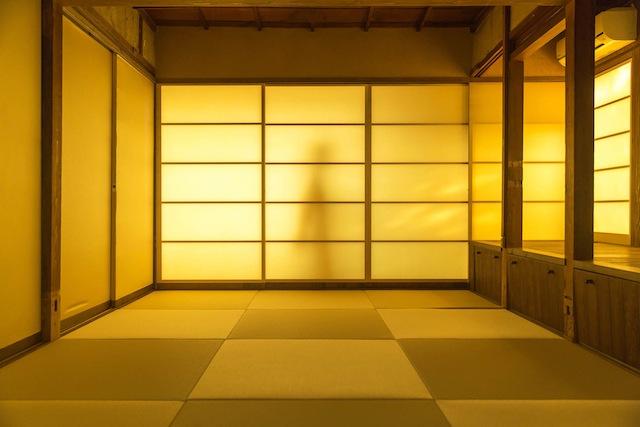 瀬戸内海の豊島に建つおしゃれでおもしろい空き家をリノベーションしたアートな宿泊施設檸檬ホテル_7