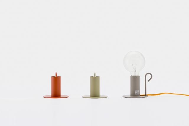 DoogdesignとHIGHTIDEが共同で制作した、本体、ケーブル、電球をコーディネートして、自分好みの照明にすることができる「pit.」はシンプルで上品な見た目なのでどんなインテリアにもフィットする一方で、ビビッドな色を組み合わせればアクセントとプラスする事もできます6