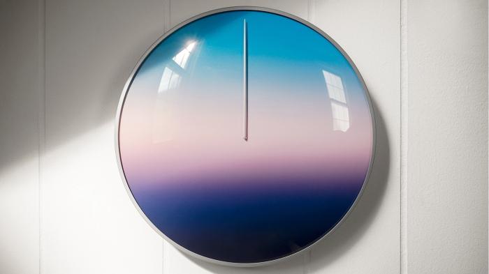 空の色で時間を見るおしゃれでナチュラルな24時間型針時計Today_6