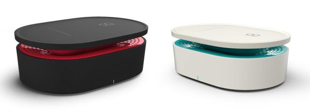 スマートフォンを置くだけで音楽を再生できるOAXIS社の「BENTO」は、電磁誘導センサーがスマホから流れた音を感知する仕組み。そしてそれを拡大する仕組みになっているので、Bluetoothすら必要なくワイヤレスでスピーカーから音楽を流せます1