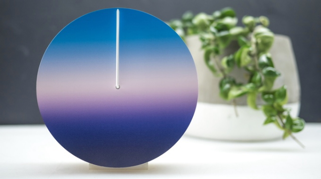 空の色で時間を見るおしゃれでナチュラルな24時間型針時計Today_4