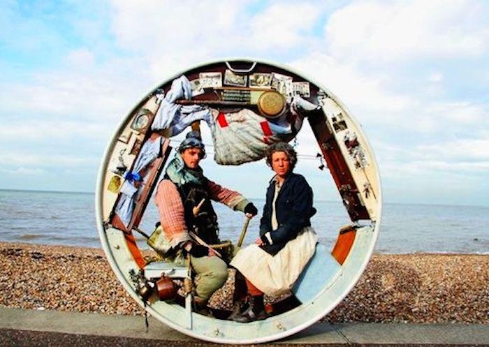 車輪で暮らすAcrojouの二人組Jeni BarnardさんとBarney Whiteさんから改めて考える、変わったおもしろい家の在り方1