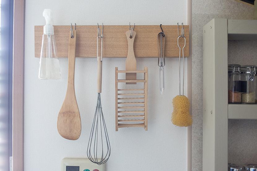 無印良品の壁にかけられる家具シリーズを便利に収納として使う