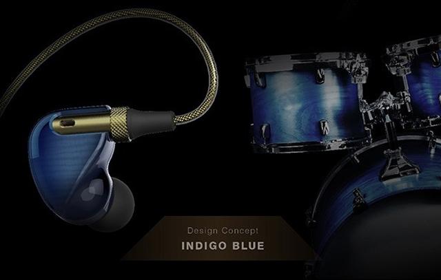 マイクが内蔵されたイヤホン「マルチライブモニターイヤホン」はblootoothを介して流れている音楽と、そのマイクで拾った周囲の音をミックスして同時に聞く事ができるガジェットイヤホンです6