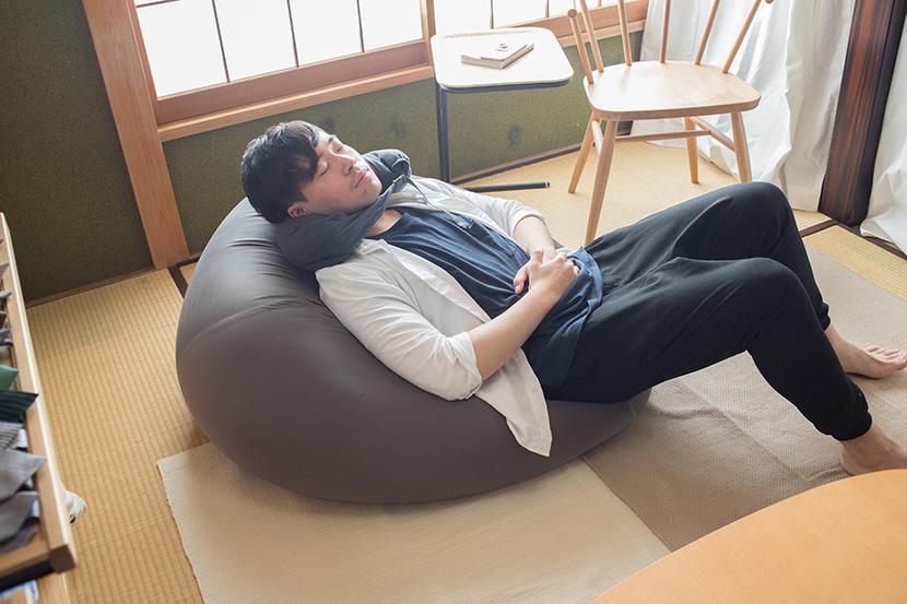 無印良品の体にフィットするソファや人をダメにするソファの便利な使い方