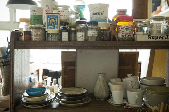 渋谷区の1960年代ビンテージマンションでおしゃれなインテリアに囲まれて二拠点居住しながら暮らすBOOKLUCK代表の山村光春さん_3