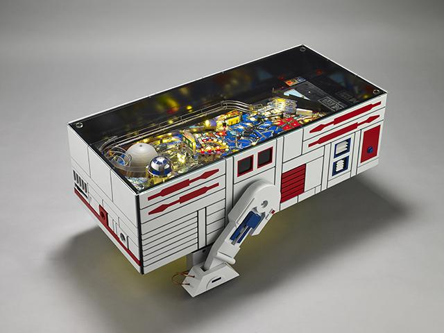 スター・ウォーズのR2-D2とドロイドR5-D4とC3-POがおもしろいコーヒーテーブルとピンボールマシンになった_2