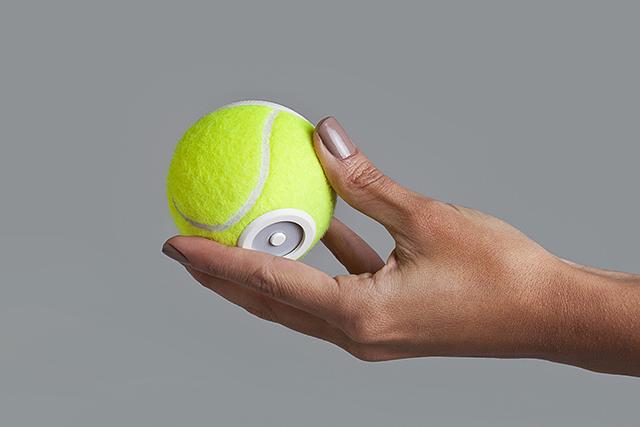 グランドスラムで使われているテニスボールの平均寿命は、なんと35分。そして一年間のボールの消費量23万個にも及びます。そうして消費されてしまった最高品質のボールに新しく命を吹き込むと、なんとワイヤレススピーカーになるんです。5