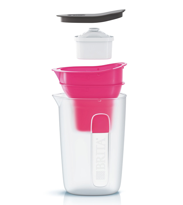 BRITA(ブリタ)が販売する「ポット型浄水器Fun」のご紹介。蛇口から水を注ぐだけで、1リットル4分でろ過できる新しい浄水器。浄水性能12項目高除去でカートリッジは日本の水質に合わせて作られている。2