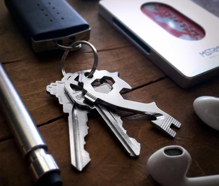 22ドルとお手頃。20種の機能を持つおしゃれでかっこいい鍵型マルチツール「The MSTR KEY」