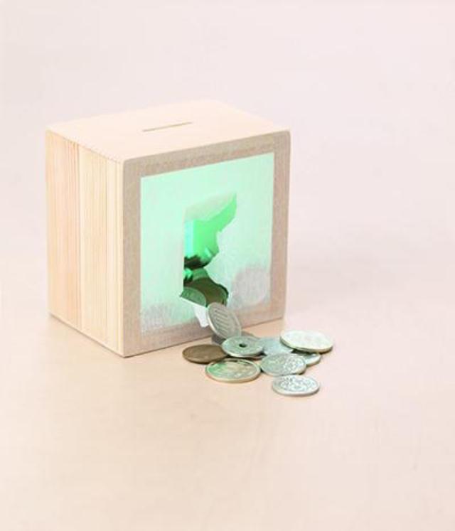 equaltoイクォルトというブランドのPosは、障子と木でできた貯金箱で、障害者支援を目指すもの_3