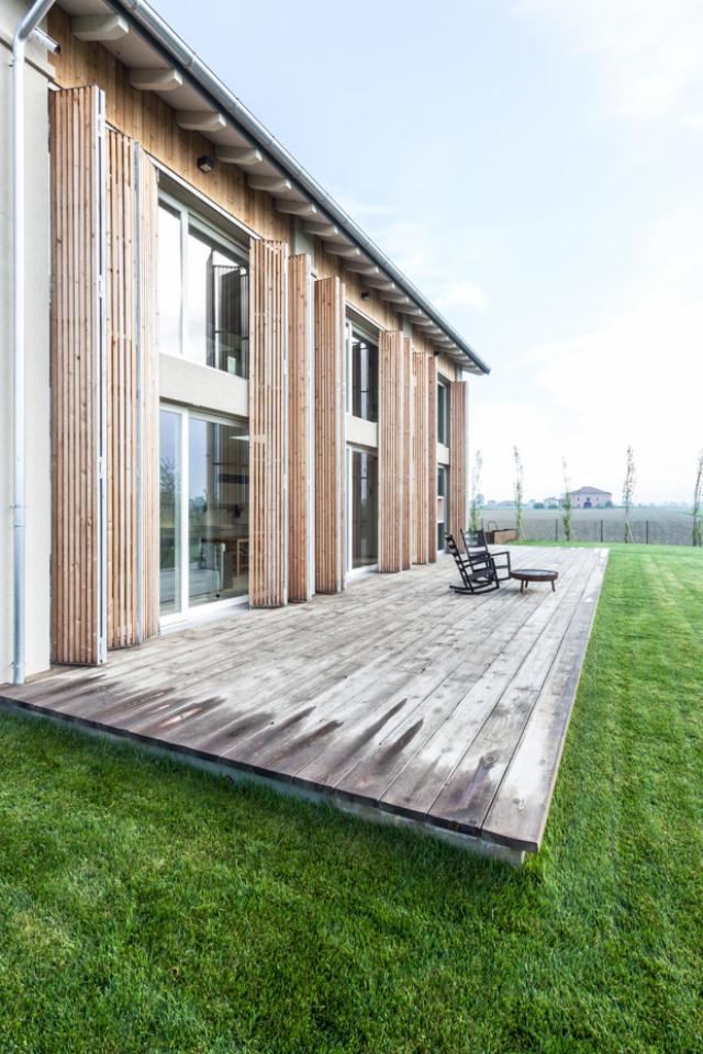 地震で損傷した納屋を快適でミニマルな住宅にリノベーションし、開放的にしたイタリアのARCHIPLANによるCASA EFFE-E_10