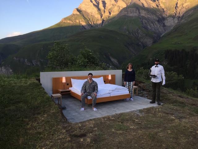 屋根も壁もないスイスの山の上のおしゃれで素敵で変わったホテルThe only star is you_3