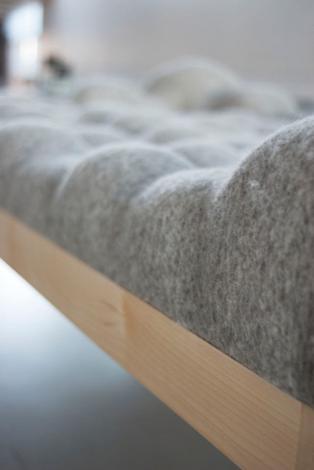 Stefanie Schisslerさんによる石ころを集めたようなおもしろくユニークでおしゃれでかわいいベッドKulle Daybed_2
