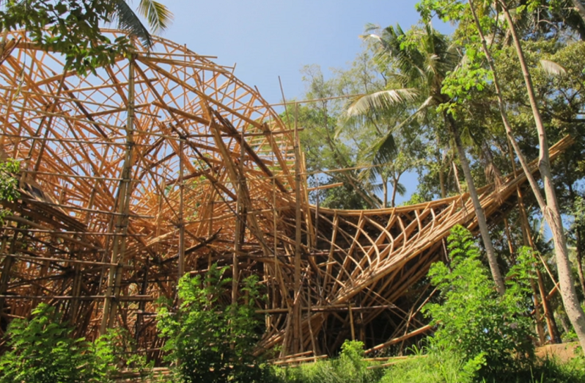 エローラ・ハーディー率いるデザイン集団IBUKUがTEDでプレゼンテーションしたバリ島の竹でできた建築グリーン・ビレッジ_8