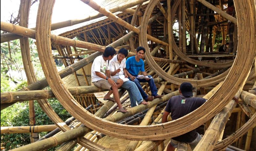 エローラ・ハーディー率いるデザイン集団IBUKUがTEDでプレゼンテーションしたバリ島の竹でできた建築グリーン・ビレッジ_6