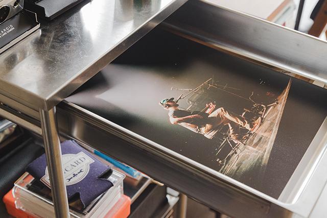 おしゃれでかっこいいIKEAのGRUNDTALキッチンワゴンステンレススチールは写真の収納に便利_3