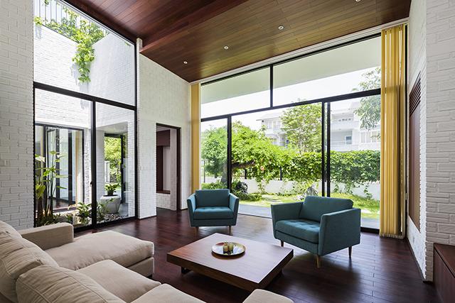 ベトナムのホーチミンとハノイにオフィスを構える設計事務所Vo Trong Nghia Architectsによる屋上に植物を植えて都会で自然が感じられるHoan House_5