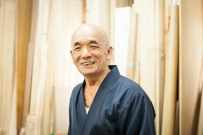フリーランスの写真家として活動している山口雄太郎さんによる家具職人に教わるチェストのDIY_4