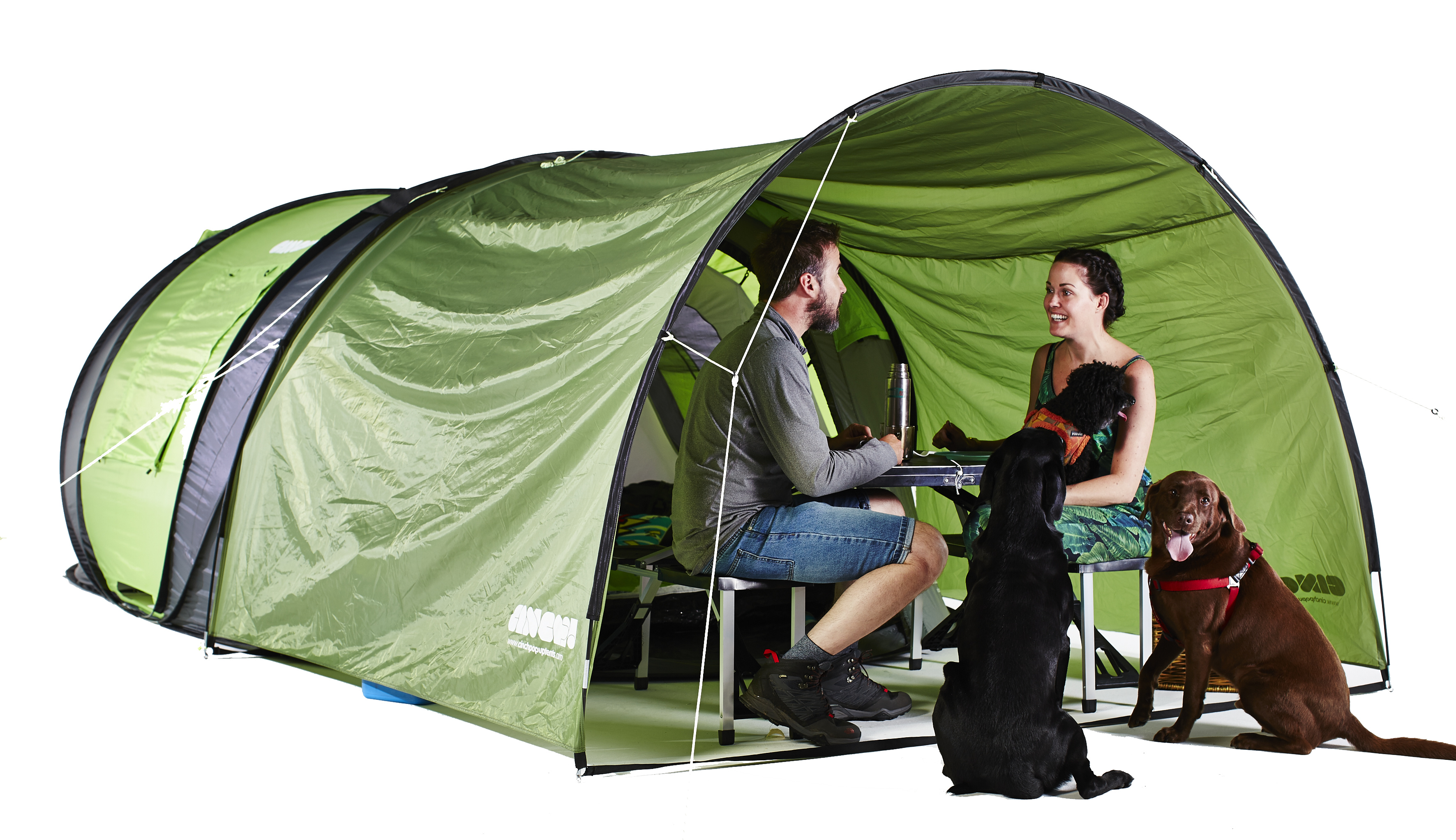 組み立て不要で快適で楽にキャンプが楽しめるポップアップテントCinch!_2
