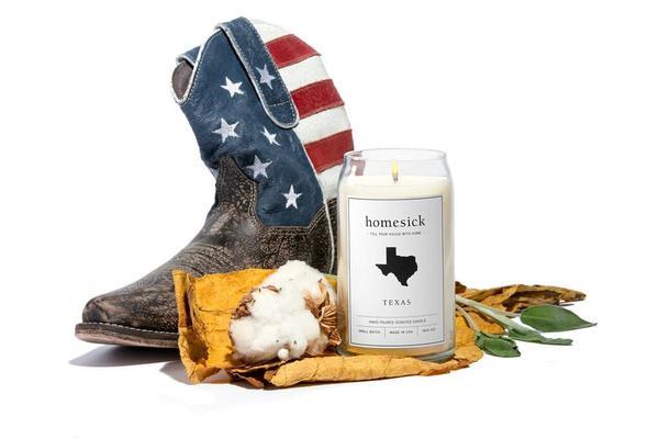 旅先で出会うのは、人やモノだけではありません。その土地の「匂い」も深く印象に残るもの。その思い出の匂いを部屋で再現できるキャンドル「Homesick Candles」をご紹介。全部で30種類もの香りがあります。これはテキサス州