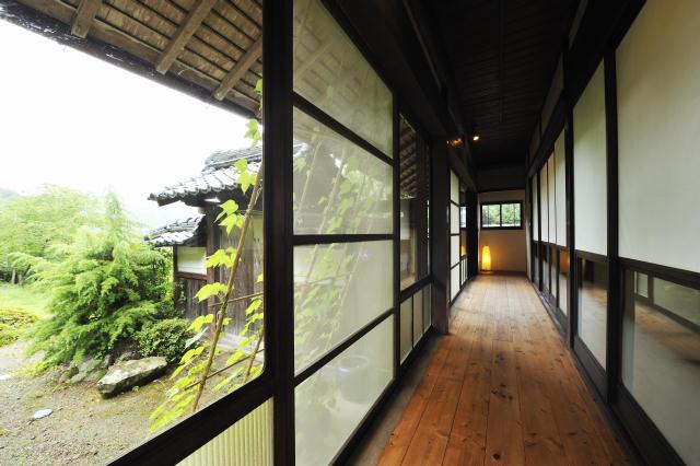 兵庫県の限界集落にある歴史的建築物を、まるごと和モダンでおしゃれなホテルにするリノベするプロジェクト、集落丸山と大杉集落_3
