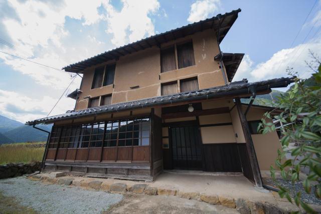 兵庫県の限界集落にある歴史的建築物を、まるごと和モダンでおしゃれなホテルにするリノベするプロジェクト、集落丸山と大杉集落_14