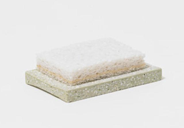吸水、保湿、調湿、そして消臭性に優れた「soil」の珪藻土アイテム。ヒット中のバスマット以外にも、たくさんの魅力的なアイテムがあるんです。きちんと「乾かす」ことで、いまよりもっと清潔な生活を。12