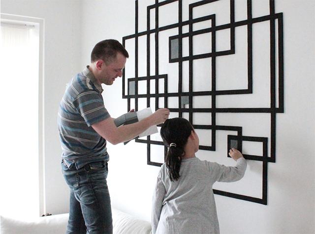 「Wallz Copenhargen」は、タイルを並べて自由に壁アートがDIYできる商品。子どもも楽しめそうですね。