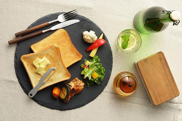 金属製品の産地・燕市の、体温で魔法のようにバターが溶け、朝食が楽しくなる、便利なアルミバターナイフ_2
