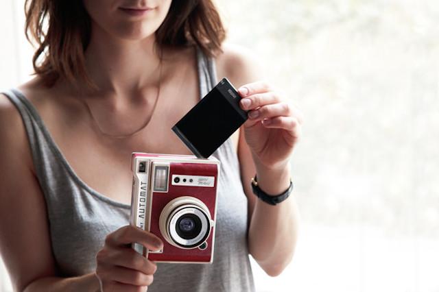 ロモグラフィーの魅力を満喫し、おしゃれでレトロな写真が撮影できるインスタントカメラLomo'Instant Automat_6