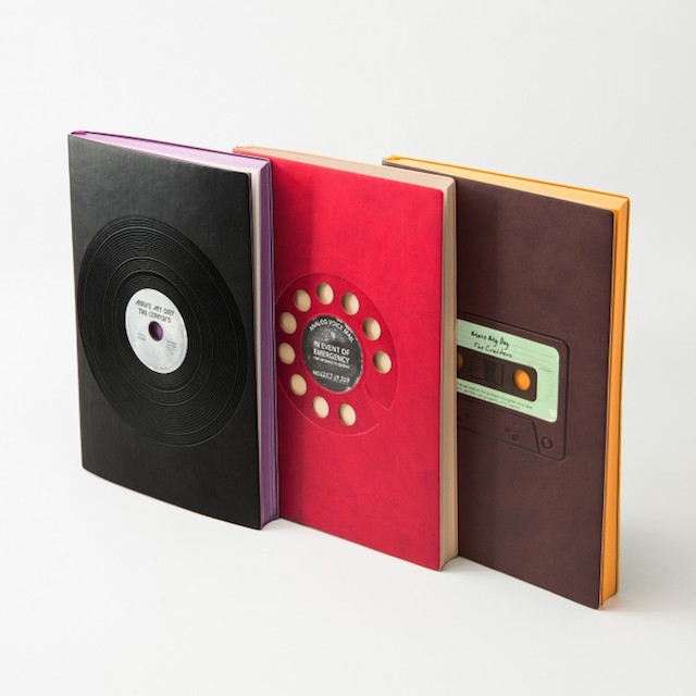 Day craftの製作した、パンそっくりのノート「bRead」と昔懐かしいモチーフの「Signature Retro Plain Notebookシリーズ」の2つをご紹介します。インパクトのある見た目は、街中で使っていても目立ちそう。もちろん、パンだからこそ家で使うのにも最適です。6