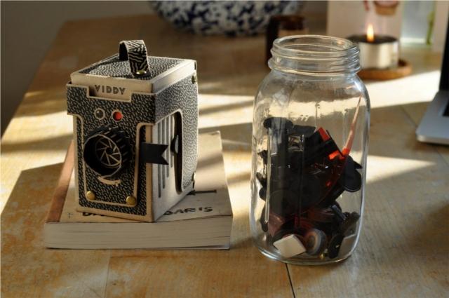 簡単にトイカメラがDIYで作れてしまう工作キット「The Pop-up Pinhole」の「VIREDE」と「VITTY」をご紹介。30分から1時間で工作可能です。