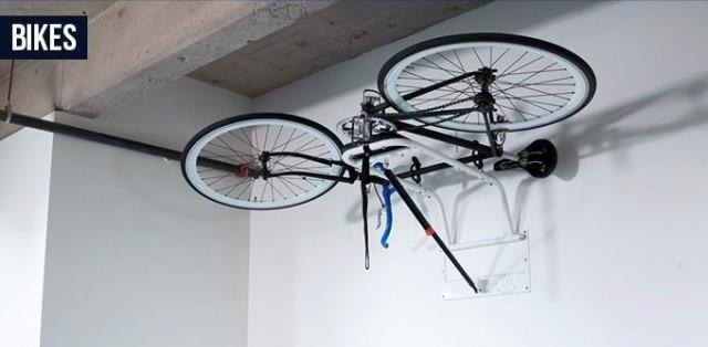 簡単に部屋の高いところにモノを配置できる、重力を無視した収納ラック「Zero Gravity Racks」を紹介します。ドライバーでボルトを接続するだけで設置でき、置き場所に困るサーフボードや自転車、釣り道具などを収納するのに役だつアイテムです。自転車もおさまります。
