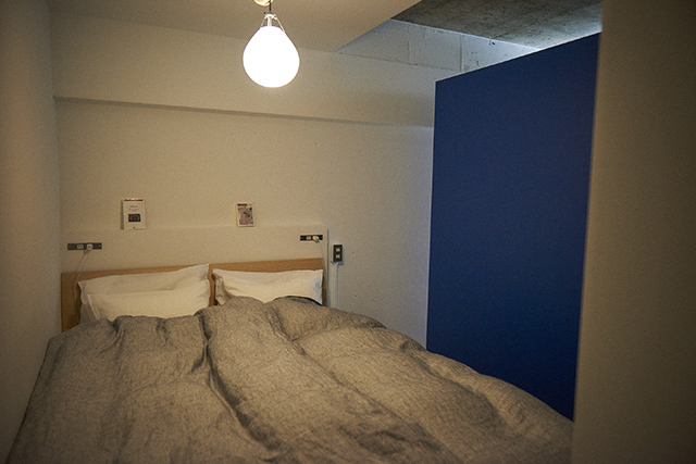Webデザイナーの夫婦が音楽を楽しむ防音室などを完備した港区麻布十番のレトロマンションをリノベーションしたおしゃれな部屋_9