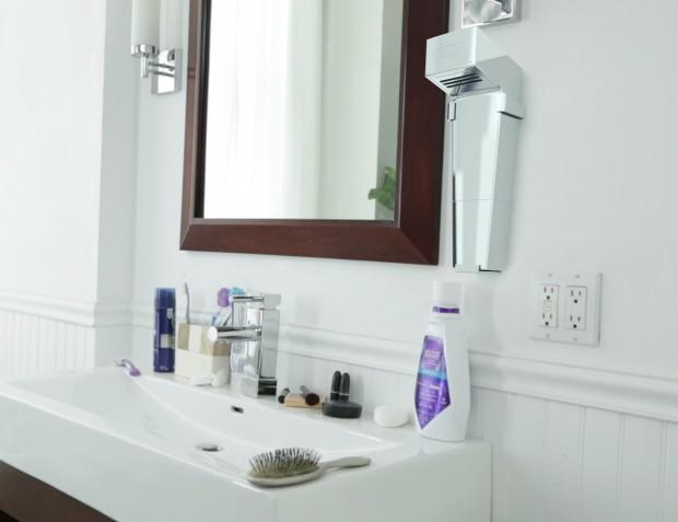 キッチンや浴室で使うために設計された初の自宅用ハンドドライヤー「HÖMDRY」を紹介します。コードレスで使用でき、環境に優しくリーズナブルなアイテムです。ハンドドライヤーとは思えないほど、コンパクトでシャープなデザインです。壁の取り付けが簡単なキットも付属。