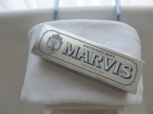 外国の絵具みたいな、イタリア・フローレンスで生まれた「MARVIS」は、なんと歯磨き粉。カラフルなパッケージとバリエーションに富んだフレーバーが特徴です。7種類のカラーによって、フレーバーのみならずタイプに合わせた効果が楽しめるのも魅力です。11